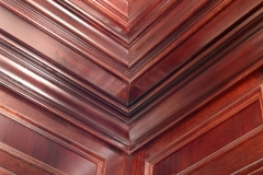 Crown oak moulding